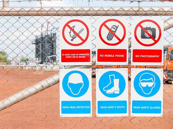 Regulatory & Parking Signage